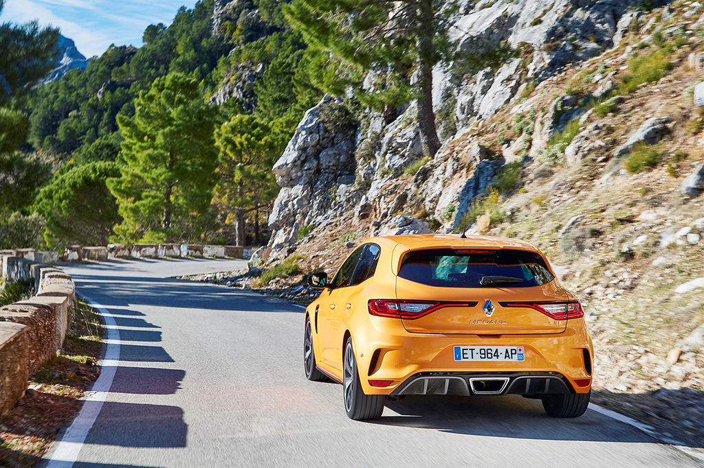 Content 21202871 2018   new renault megane r s sport chassis tests drive in spain