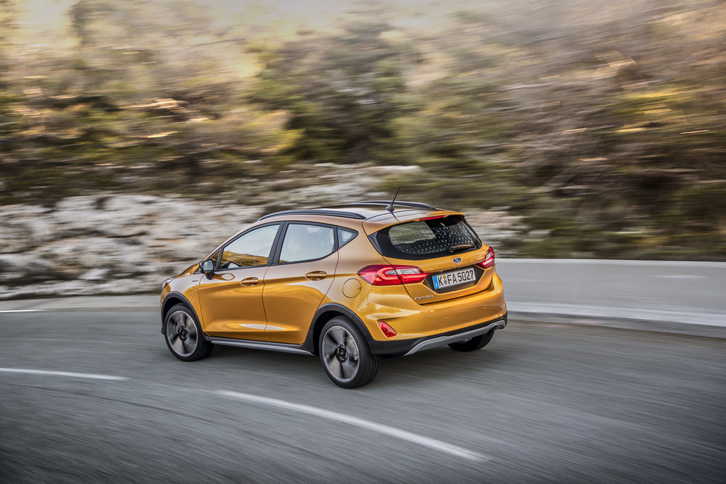Content 2018fordfiesta active luxyellow 09