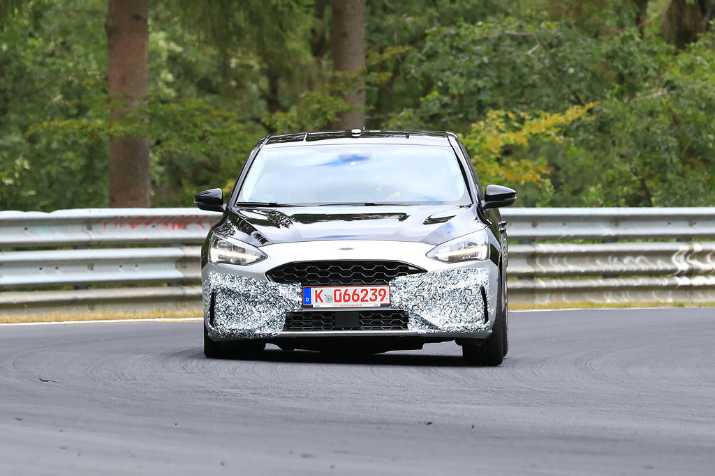 Content ford focus st 001