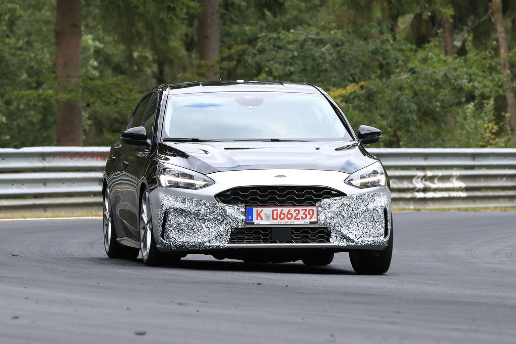 Content ford focus st 002