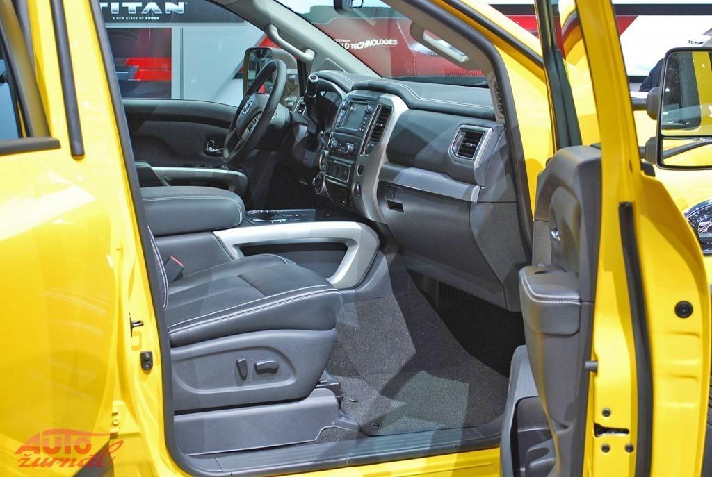 Content 82275 large detroitsky autosalon na fotografiach priamo z vystaviska