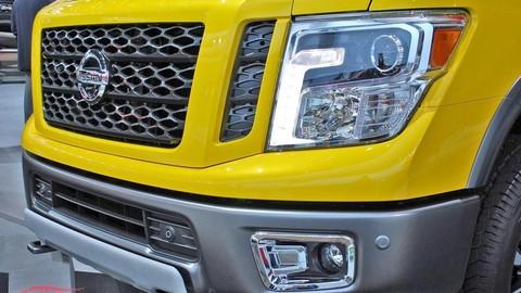 Thumb 82271 large detroitsky autosalon na fotografiach priamo z vystaviska