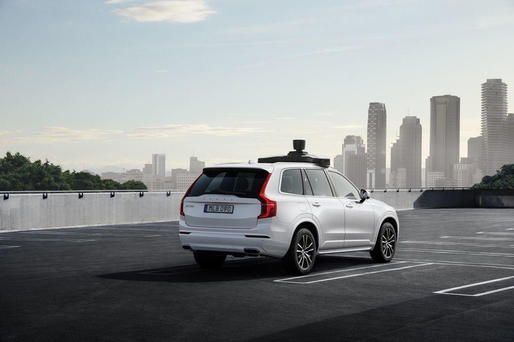 Content autonomne auto volvo a uber autozurnal.com 5