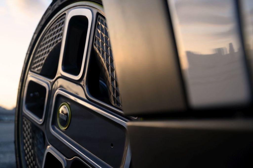 Content elektromobil mini cooper se autozurnal.com  12