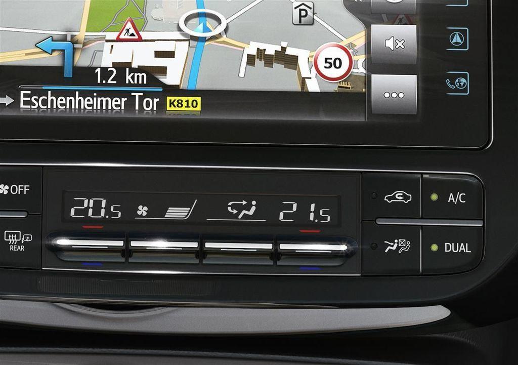 Content moderna vybava v aute autozurnal.com 7