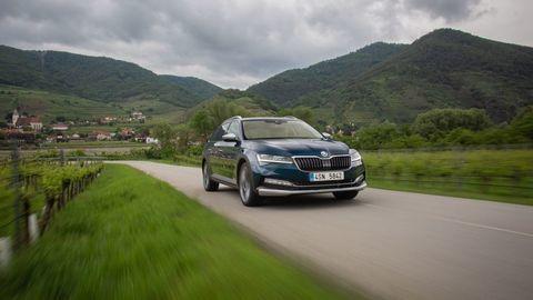 Thumb nova skoda superb scout 2019 slovenske ceny autozurnal.com 24