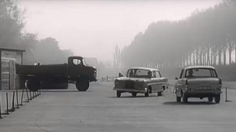 Thumb testy bezpecnosti mercedes benz 1965 autozurnal.com 2