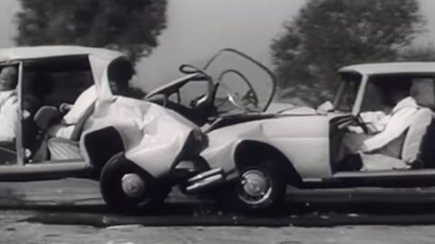 Thumb testy bezpecnosti mercedes benz 1965 autozurnal.com 3