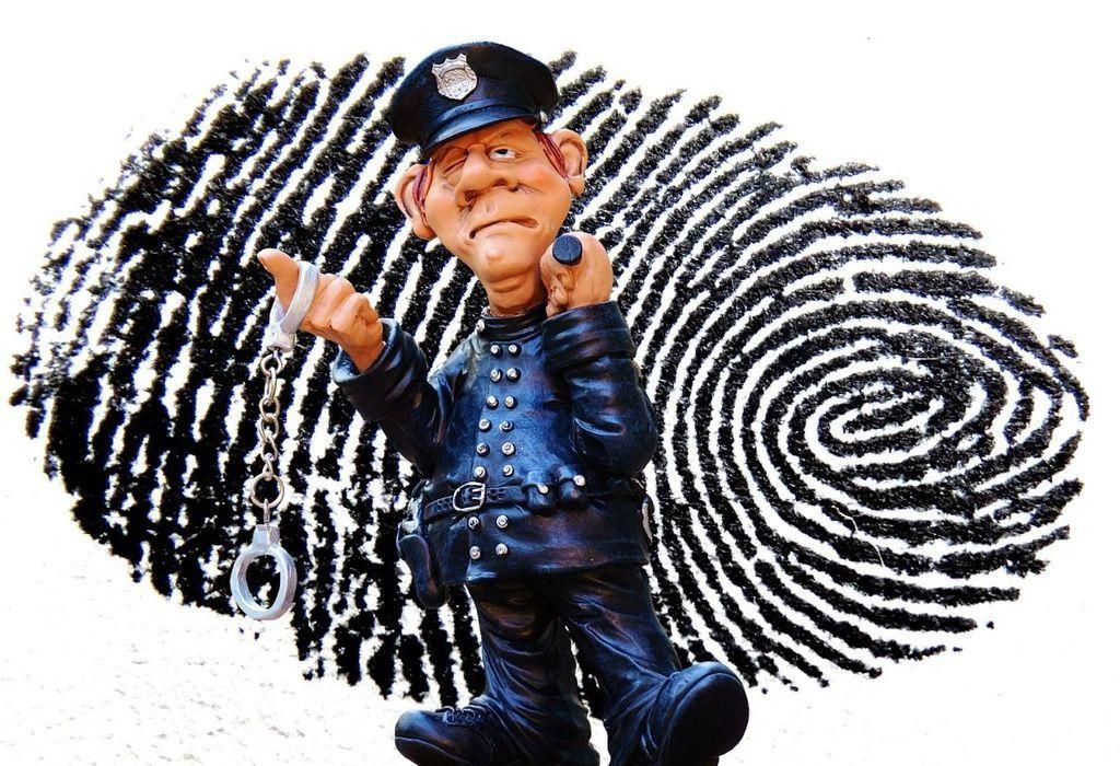 Content snimanie odtlackov prstov pri policajnej kontrole autozurnal.com 2