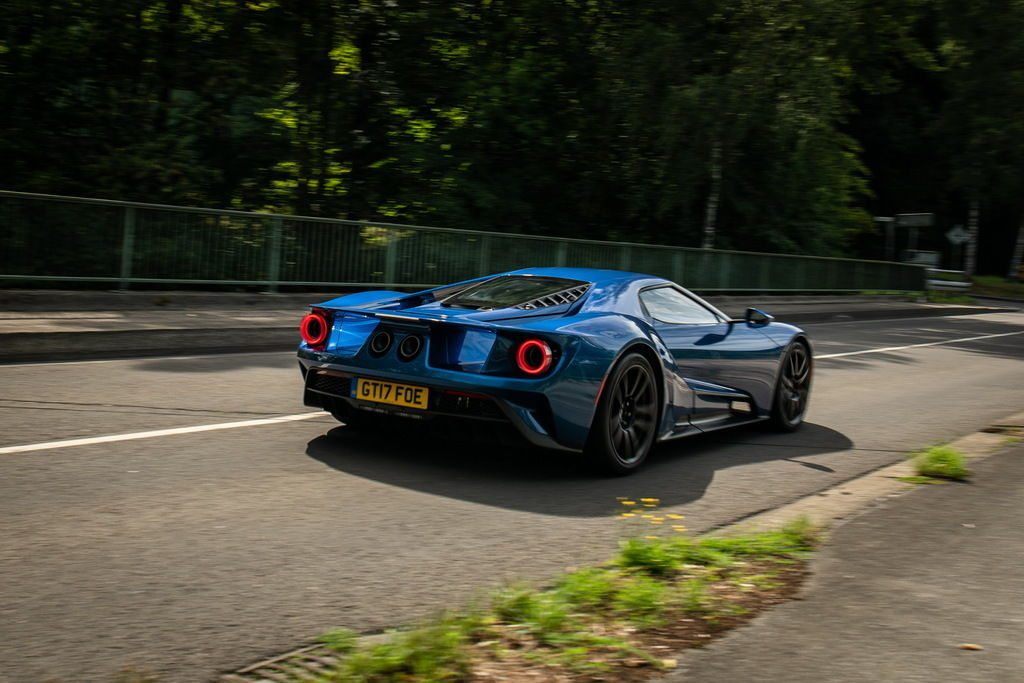 Content ford gt 1143