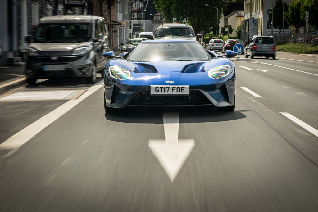 Content ford gt 1355