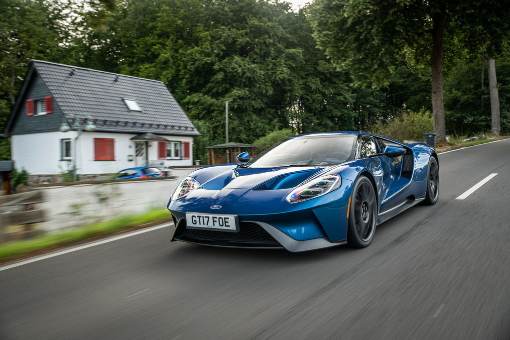 Content ford gt 1597