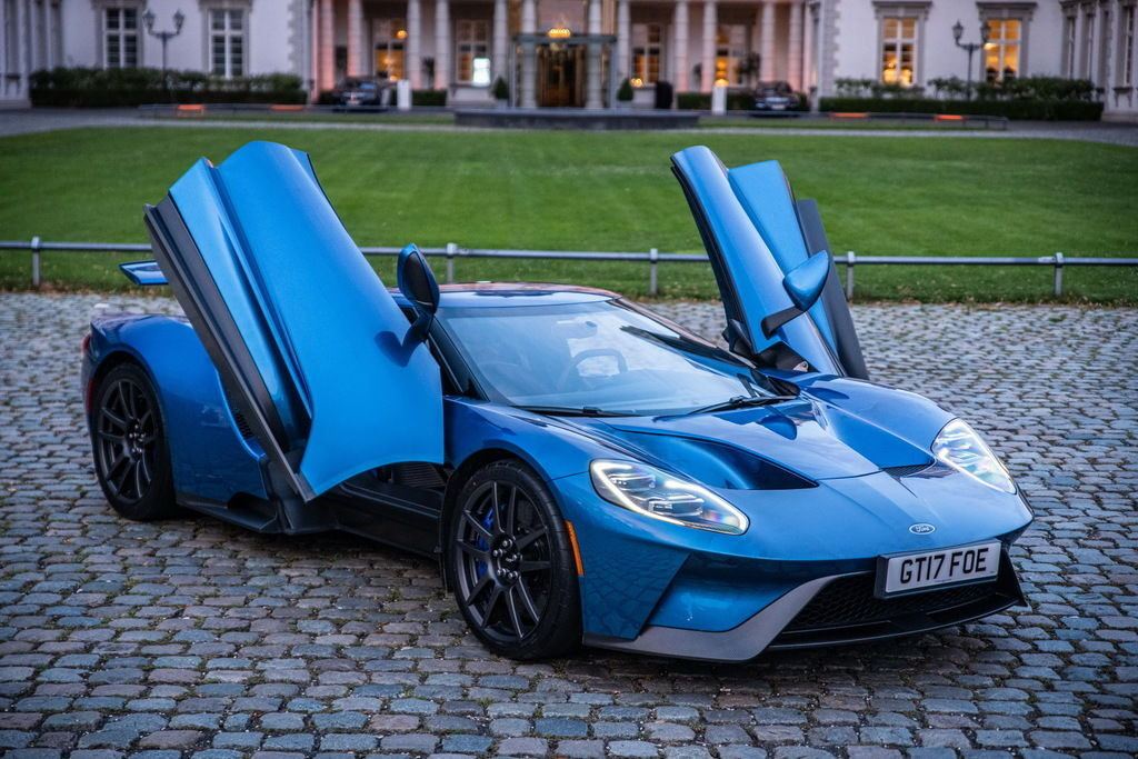 Content ford gt 2174