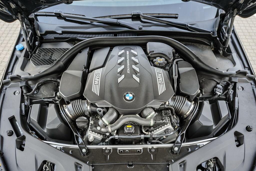 Content bmwm850i motor 01