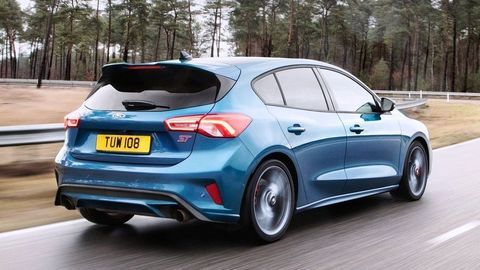 Thumb novy focus st bory mall ford pop up store autozurnal.com 3
