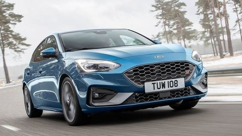 Thumb novy focus st bory mall ford pop up store autozurnal.com 2