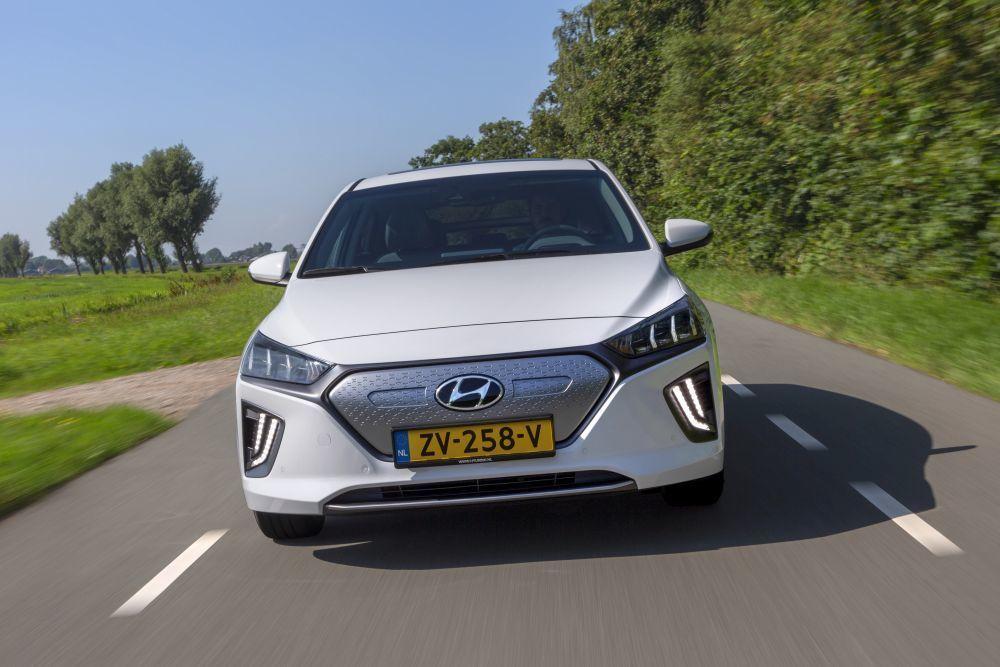Content hyundai ioniq electric 2020 slovenske ceny cennik autozurnal.com 25