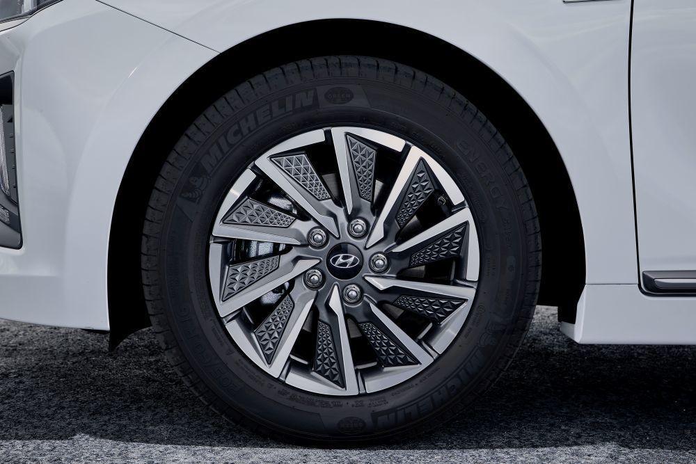 Content hyundai ioniq electric 2020 slovenske ceny cennik autozurnal.com 30