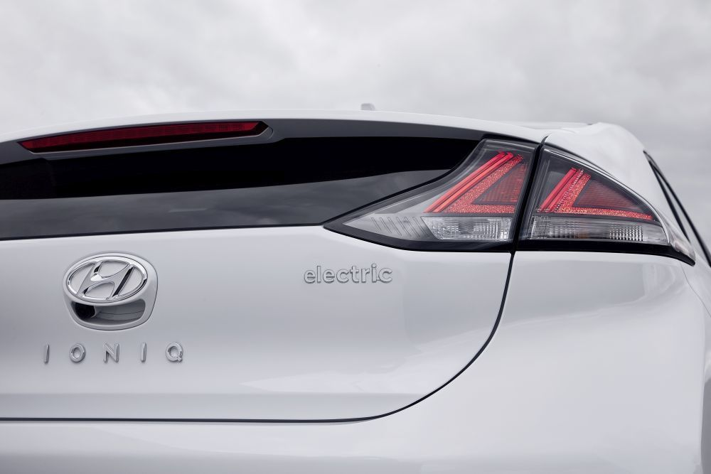 Content hyundai ioniq electric 2020 slovenske ceny cennik autozurnal.com 32