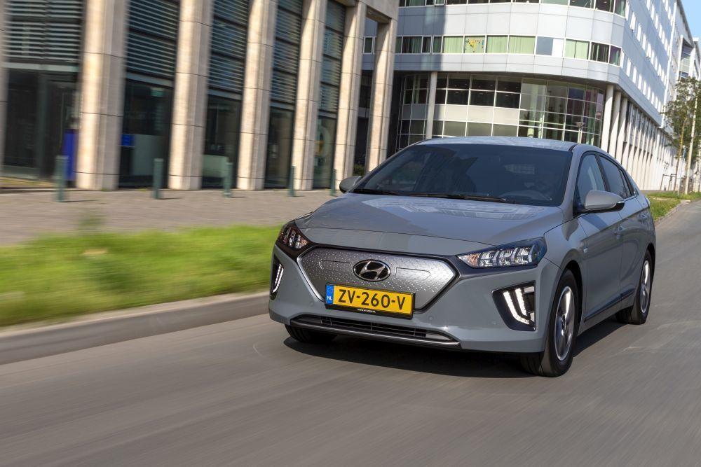 Content hyundai ioniq electric 2020 slovenske ceny cennik autozurnal.com 36