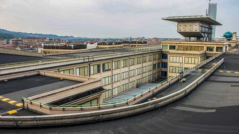 Thumb 5 fiat lingotto factory turin italy roofrace0418