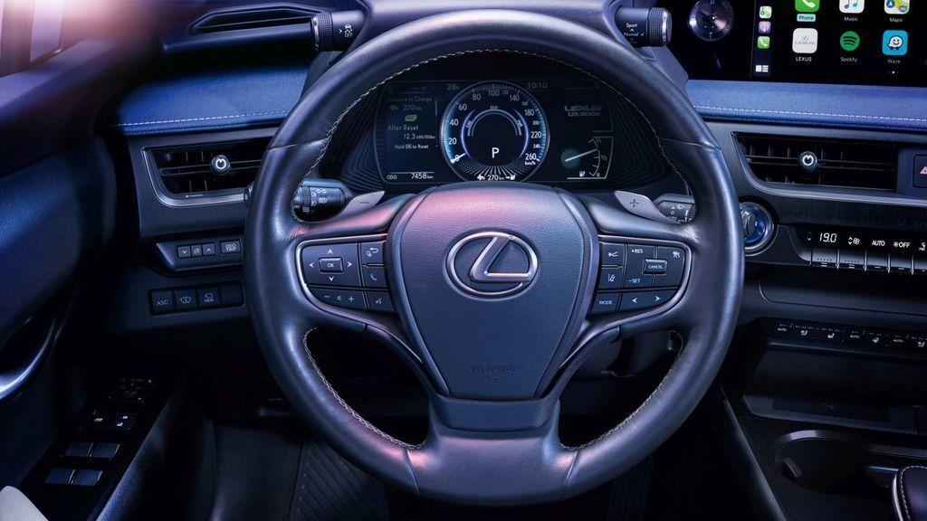 Content lexus ux 300e autozurnal 11