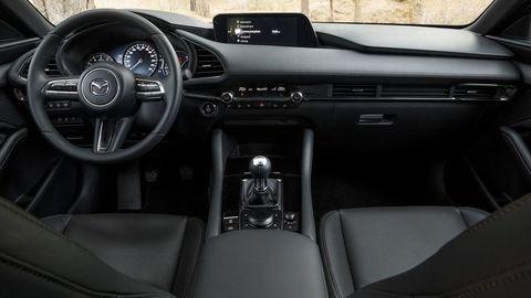 Thumb mazda 3 zenske auto roka womens car of the year autozurnal  11