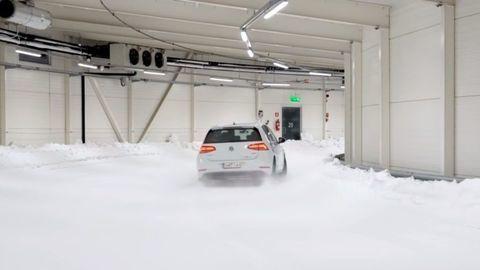 Thumb test zimnych letnych celorocnych pneumatik pri toznych teplotach autozurnal 8