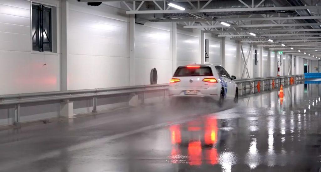 Content test zimnych letnych celorocnych pneumatik pri toznych teplotach autozurnal 7