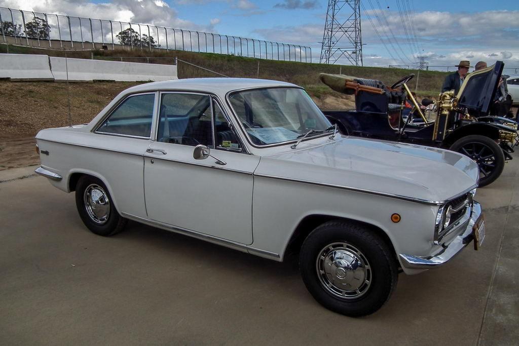 Content 1966 mazda 1000 coupe  6107774562