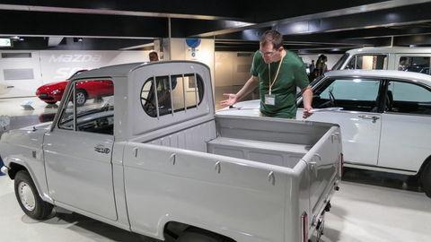 Thumb mazda r360 truck 1961