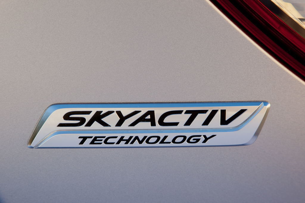 Content skyactiv technology  jpg300