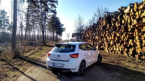 Thumb seat ibiza black limited fr  test  autozurnal 30