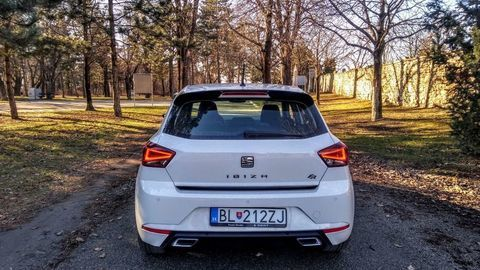 Thumb seat ibiza black limited fr  test  autozurnal 44