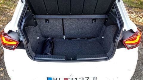 Thumb seat ibiza black limited fr  test  autozurnal 48