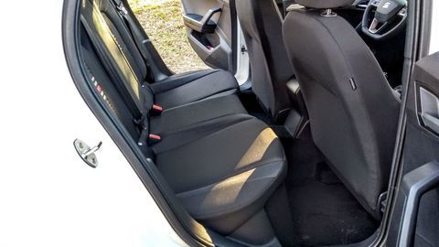 Thumb seat ibiza black limited fr  test  autozurnal 42
