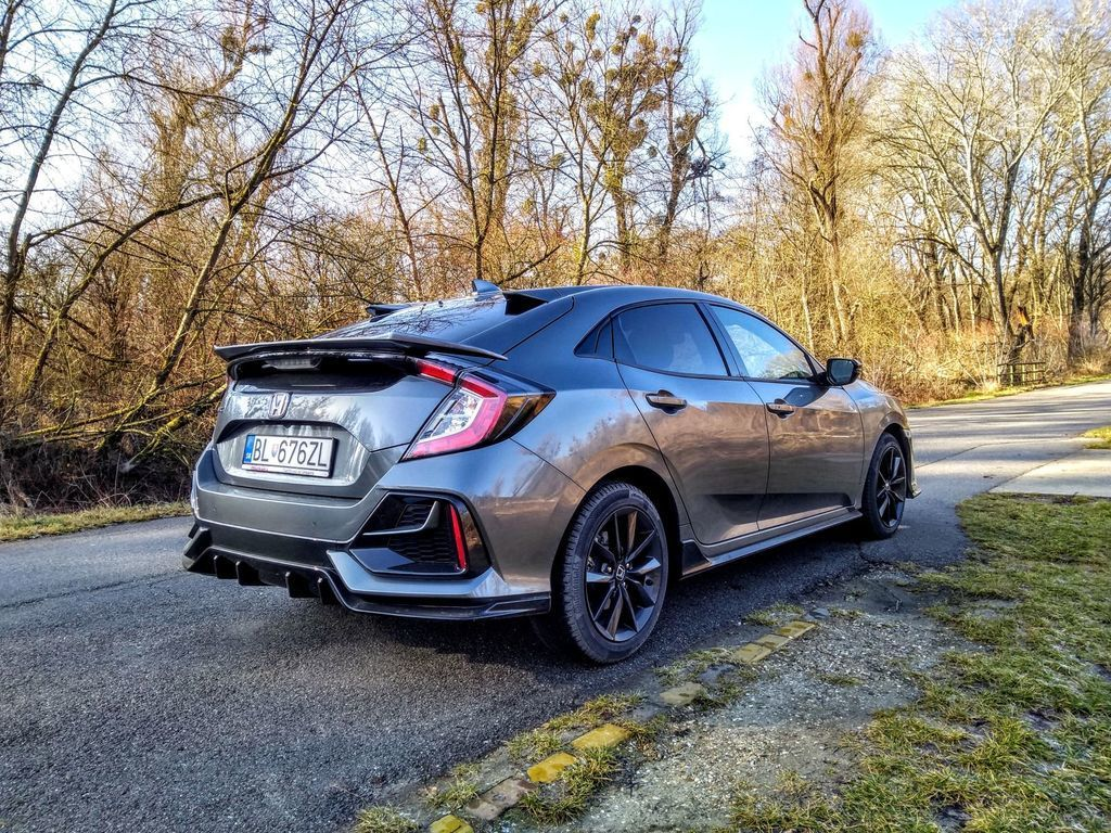 Content test honda civic 1.0 turbo sport line autozurnal 33