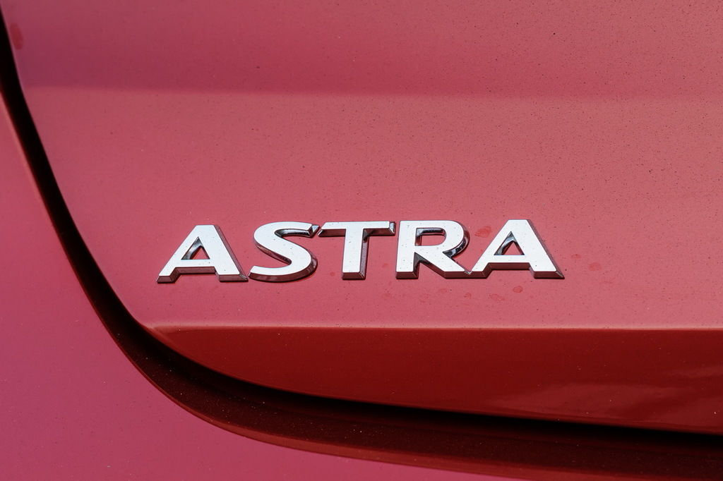 Content astra sign 27