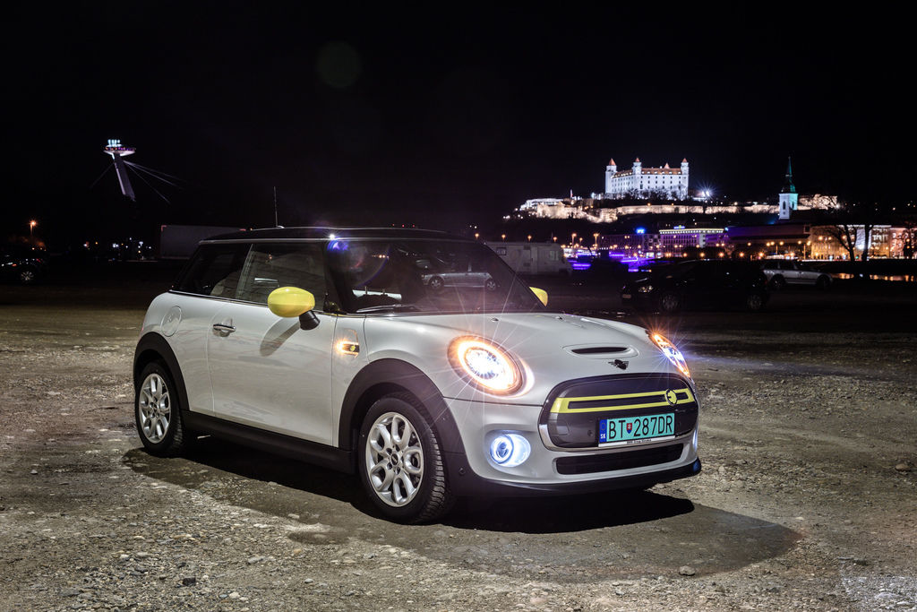 Content mini electric photo by peter frolo 1r2a3787