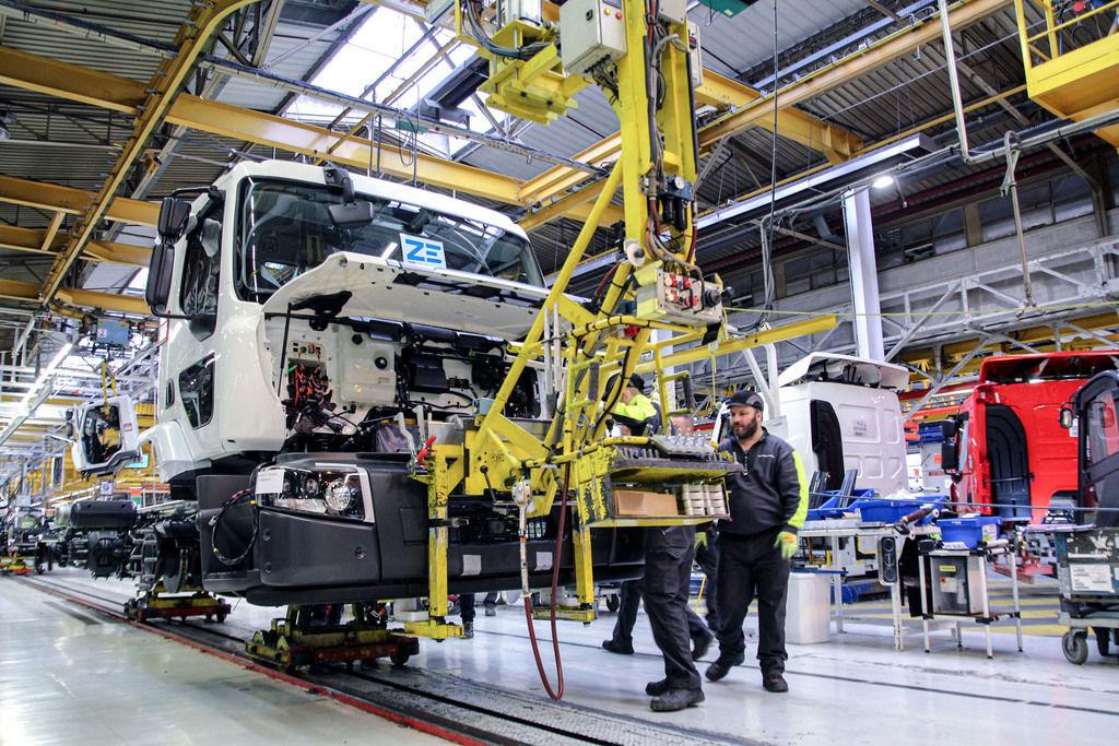 Content 02 renault trucks  tartuje produkciu e truckov