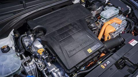Thumb kia ceed sw xceed phev plug in hybridy autozurnal.com  15