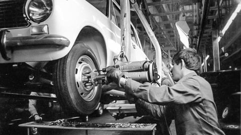Thumb rian archive 878967 avtovaz  volga automaking plant in togliatti  the samara region 1222rian archive 878967 avtovaz  volga automaking plant in togliatti  the samara region