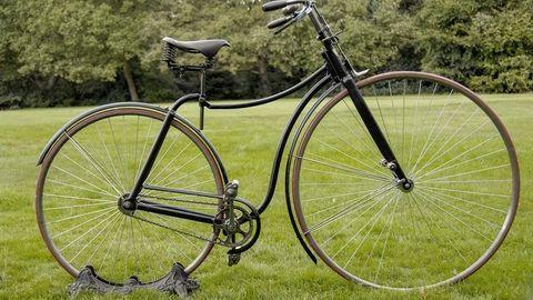 Thumb bezpecny bicykel rover z roku 1887