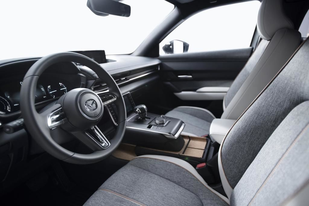 Content mazda mx 30 interior eu specification 17