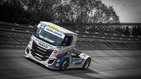 Thumb 03 iveco s way r racing trucks2