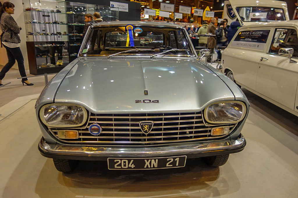 Content peugeot 204 coupe 2  redimensionner