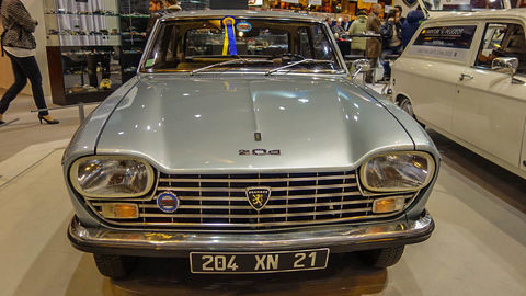 Thumb peugeot 204 coupe 2  redimensionner