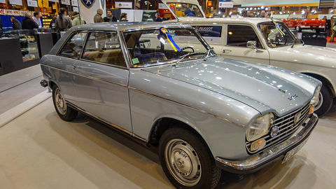 Thumb peugeot 204 coupe 3  redimensionner