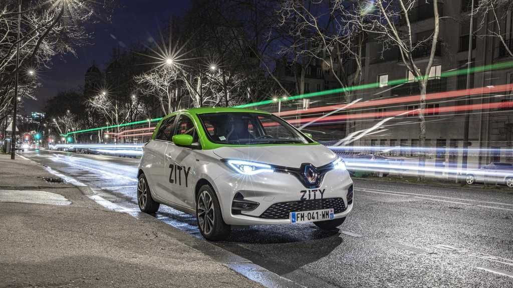 Content renault zoe in zity car sharing fleet in paris france1