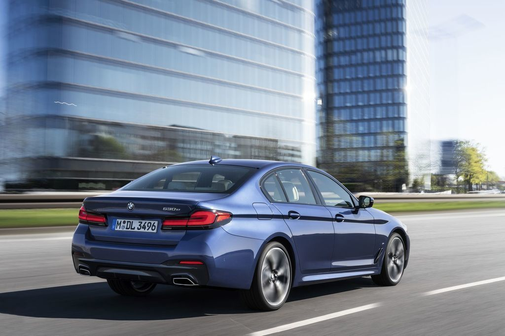 Content bmw 5  facelift 2021 autozurnal.com 4